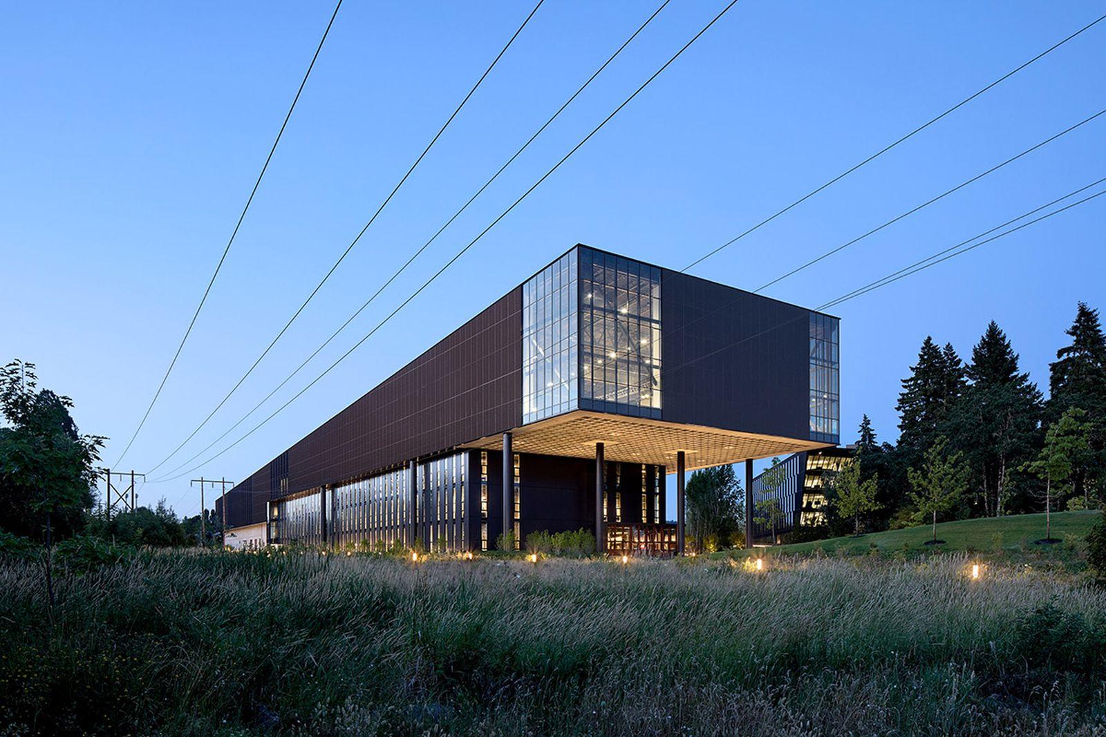 nike-lebron-james-innovation-center- (11)