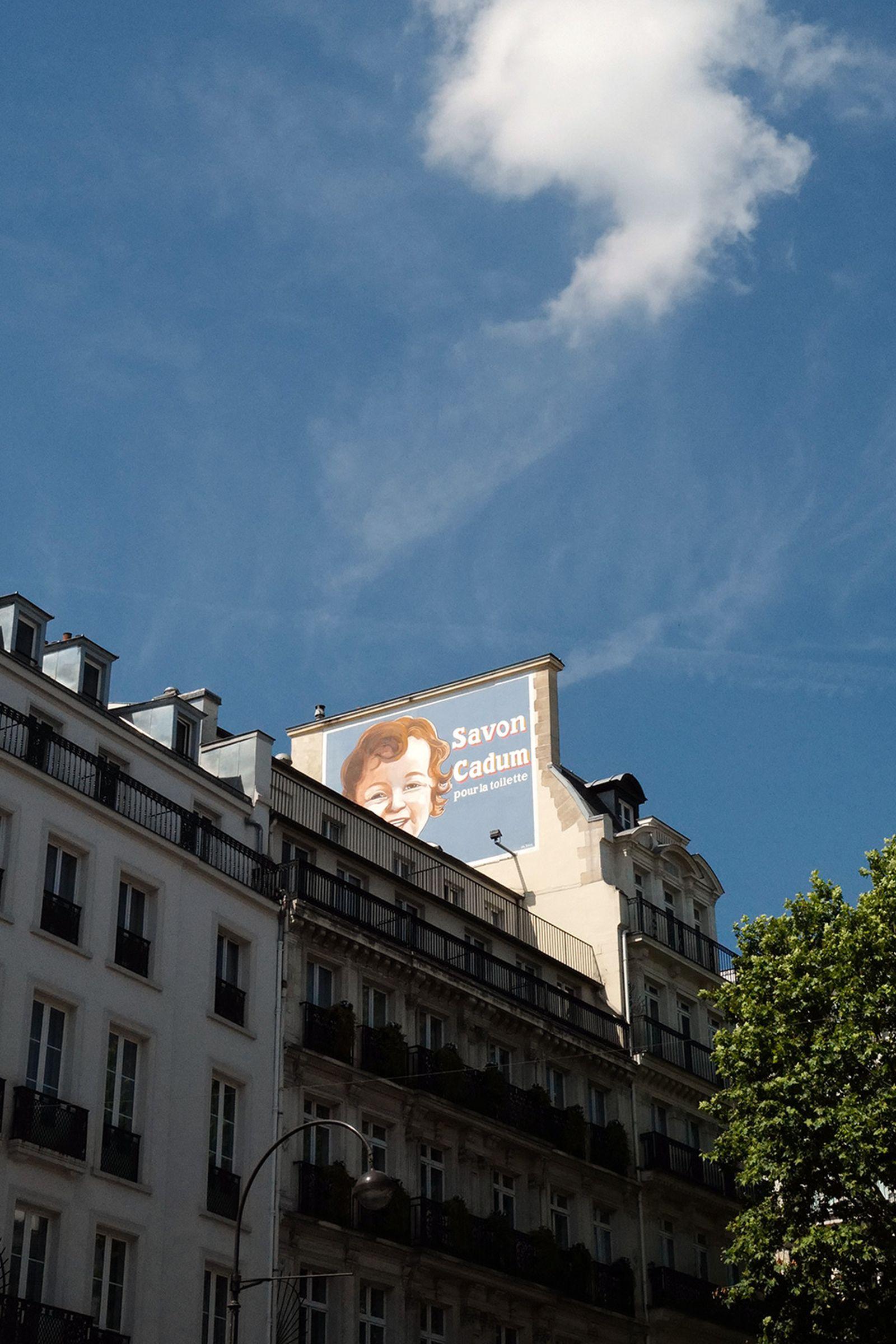 J1070842 Leica Q2 paris fashion week