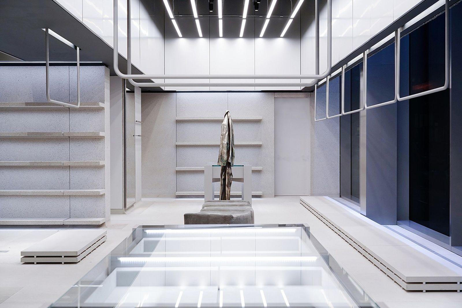 balanciage nyc flagship Balenciaga demna gvasalia