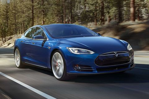 Eco Conscious Automobile Manufacturers Tesla Have Unveiled Their Latest Electric Car The Awd Model S 70d Pulling Price Down To A More Affordable