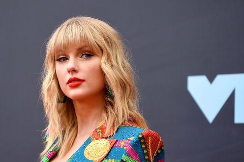Taylor swift closeup vmas