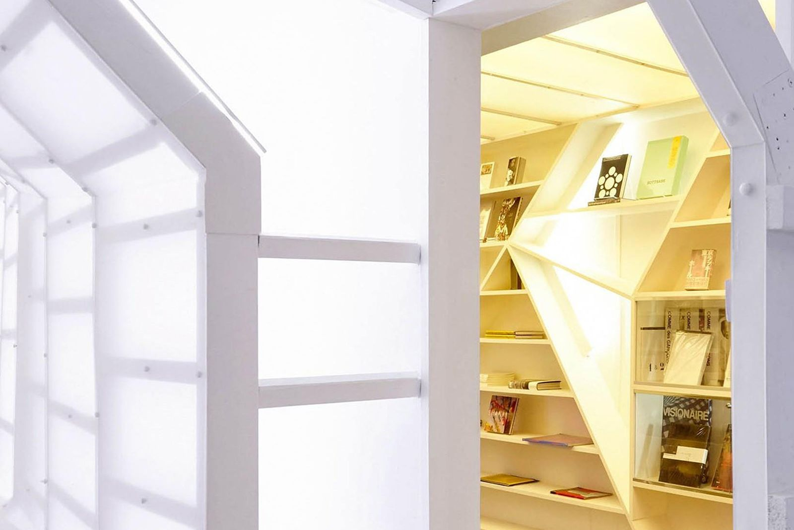 game-changers-best-store-interiors-changed-fashion-06