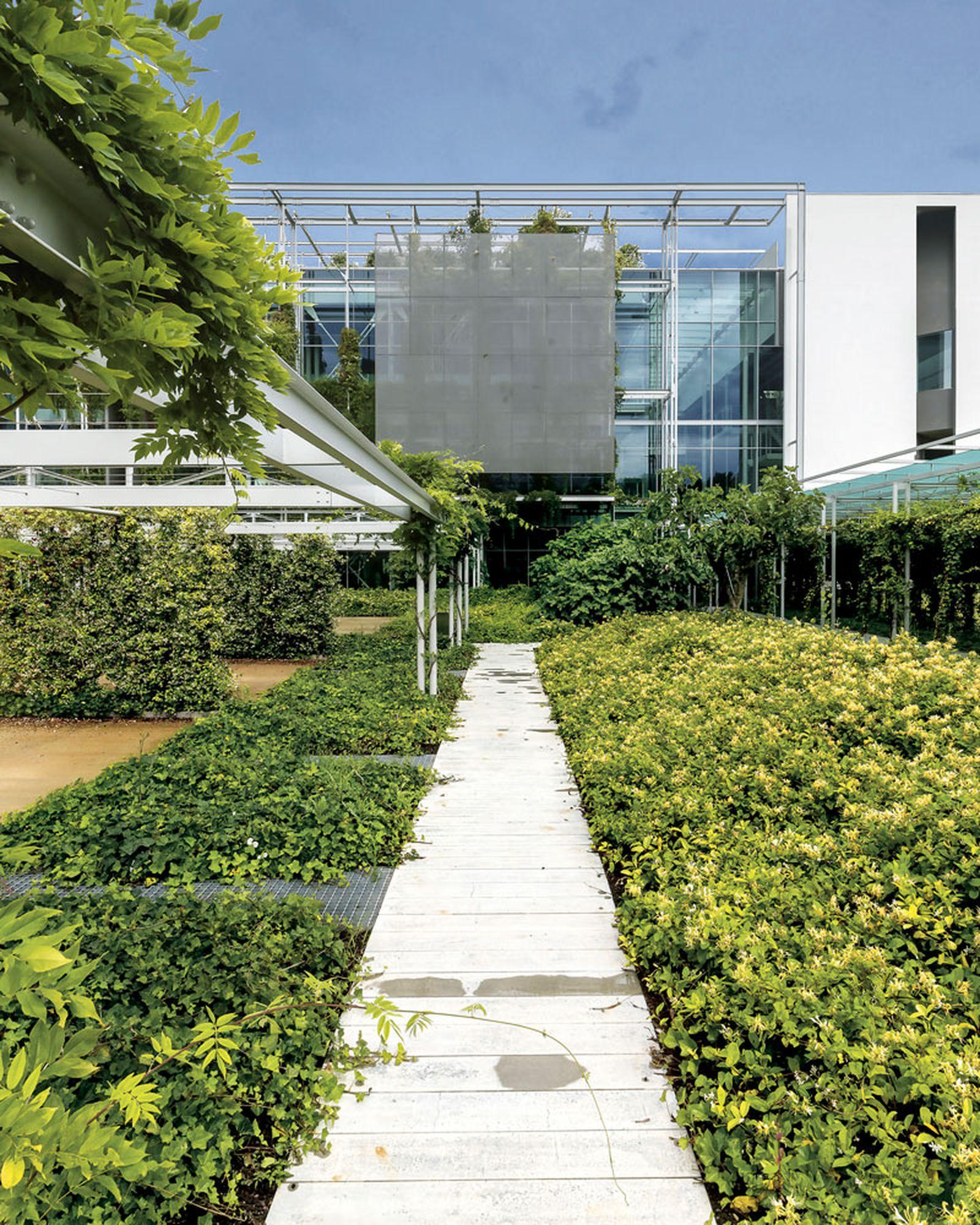 prada-hq-garden-factory-valvigna-06