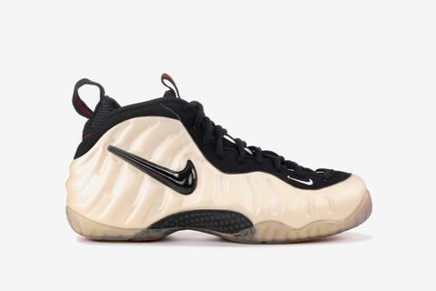 competitive price b67ce af86e Nike Air Foamposite: The Ultimate Guide to Foamposites