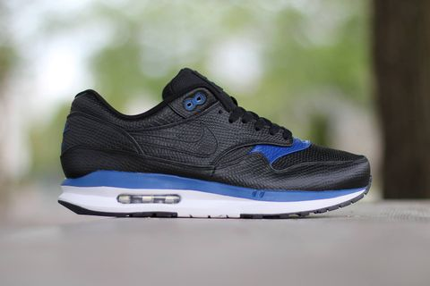 """newest collection cebe3 a2187 Following the release of the Air Max Premium """"Black Metallic Silver"""" pack,  Nike s Lunar-equipped rendition of its iconic Air Max 1 silhouette receives  a ..."""