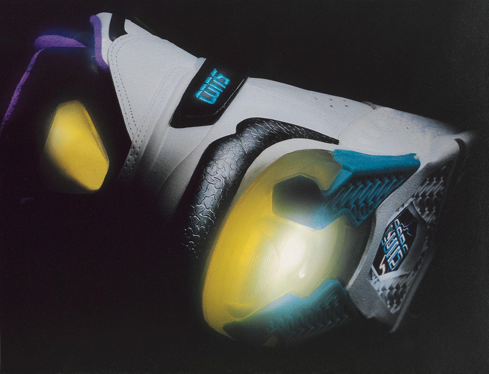 great-cushioning-foot-race-1993-converse-react-juice-02