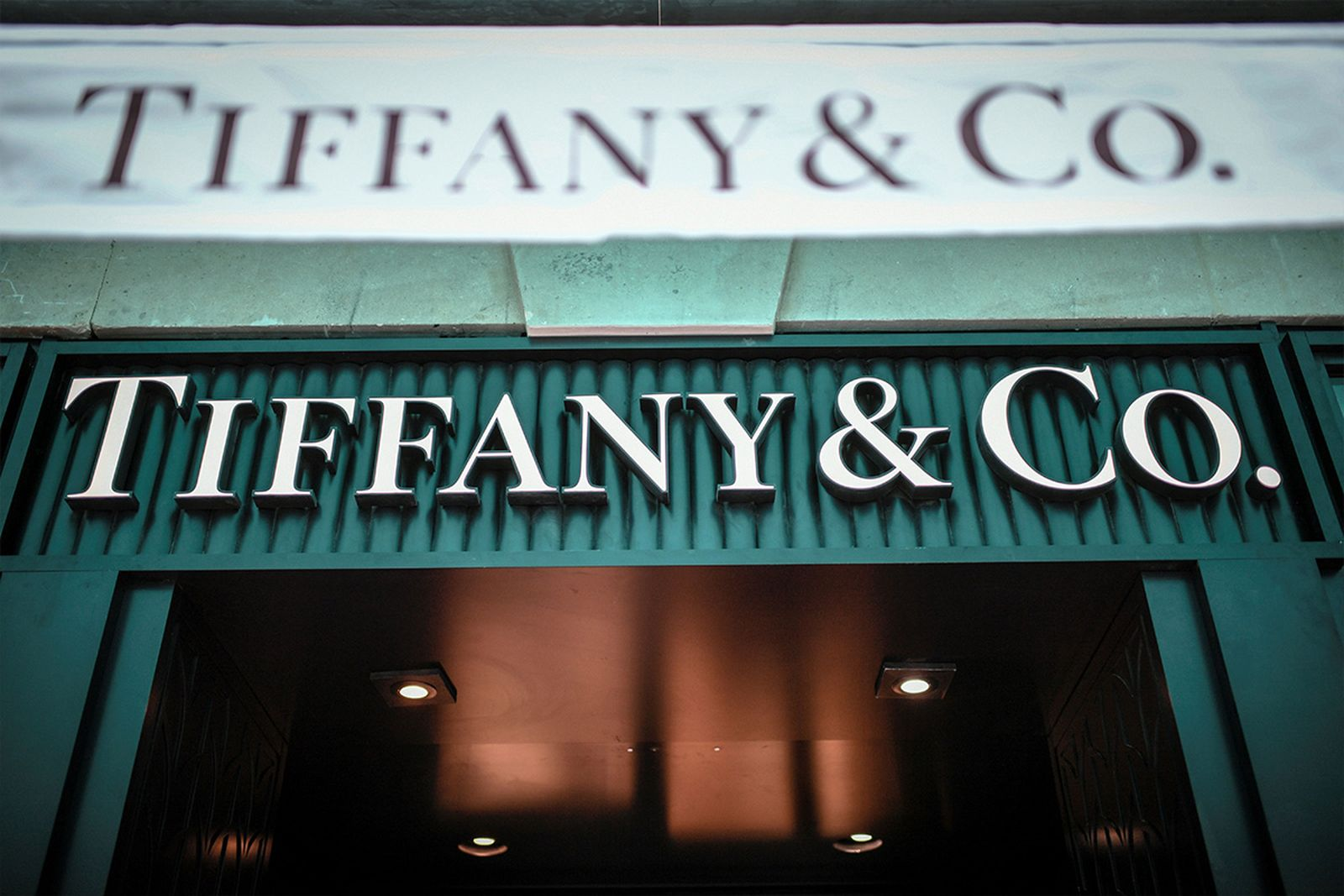Tiffany & Co facade Tiffany Blue