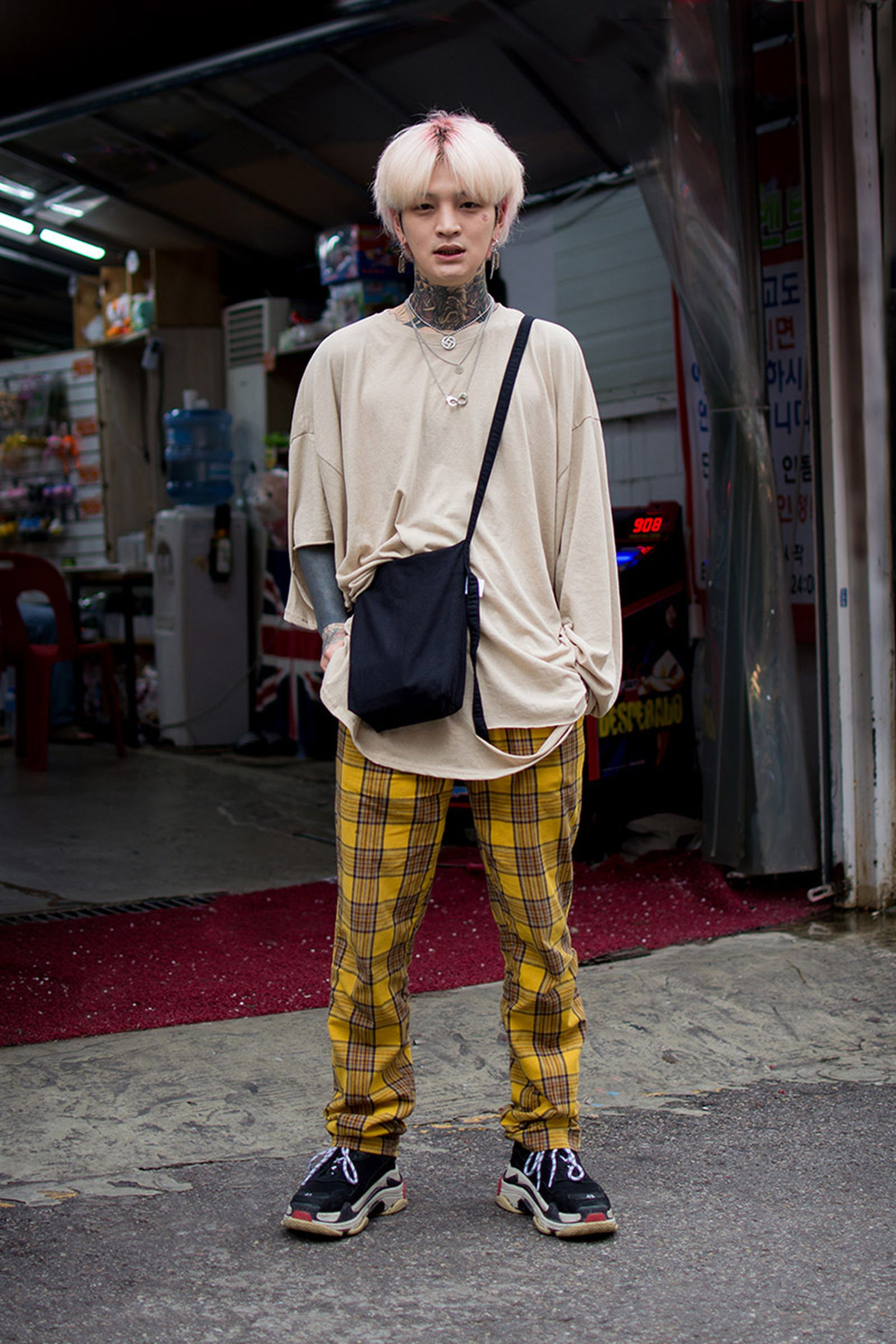 seoul street style july7 Balenciaga Children of the Discordance Gucci