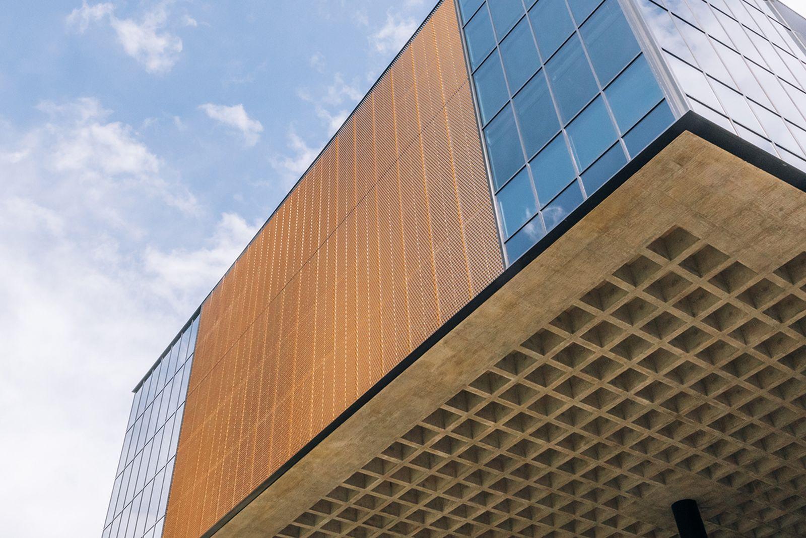 nike-lebron-james-innovation-center- (4)