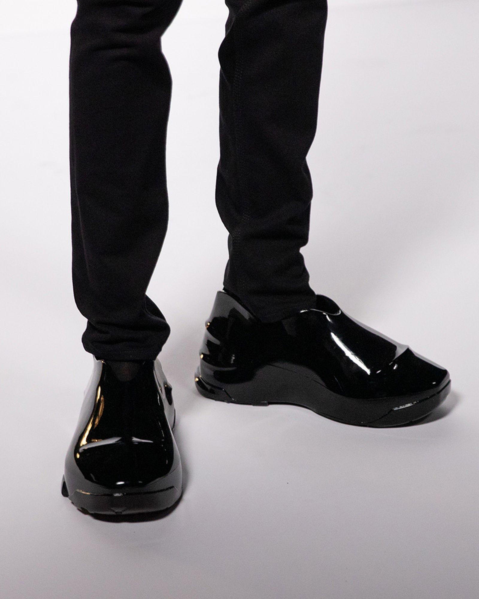 fashion-week-ss22-sneaker-roundup-05