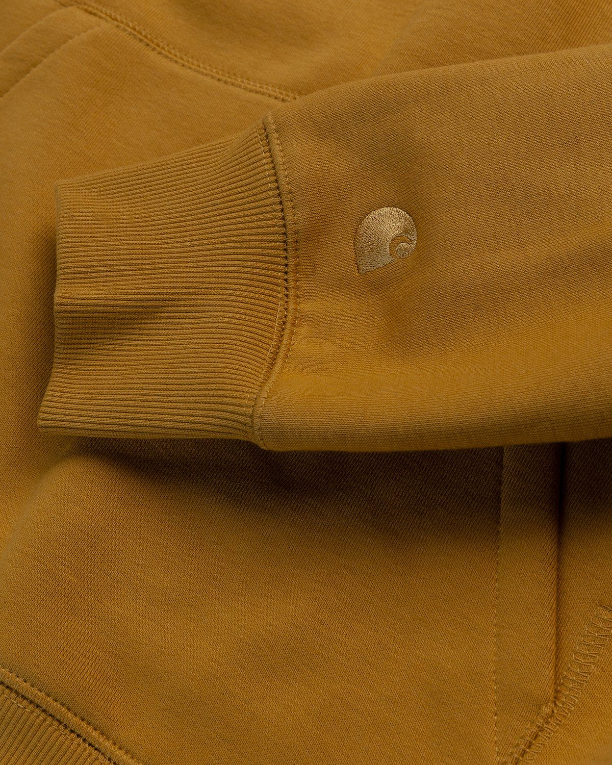 Carhartt WIP – Hooded Chase Sweat Gold - Image 3