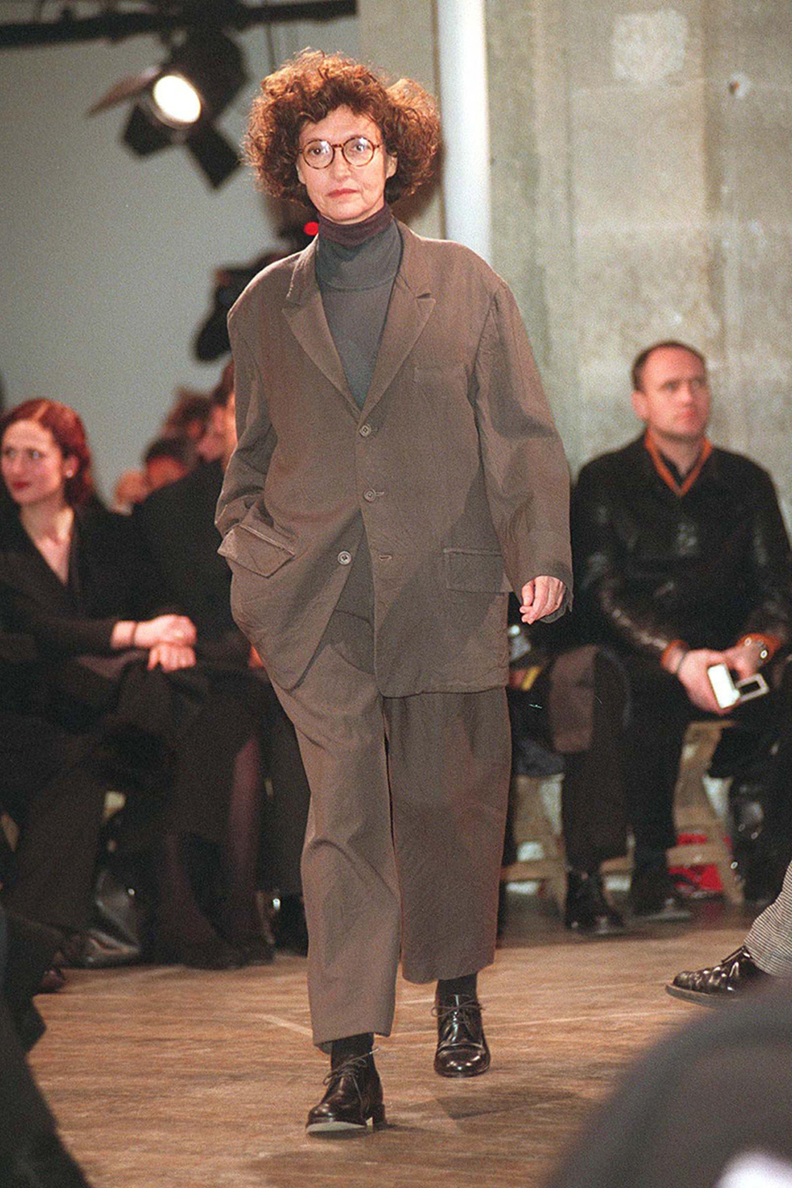 the-12-fashion-shows-that-changed-mens-fashion-yohji-1998-04