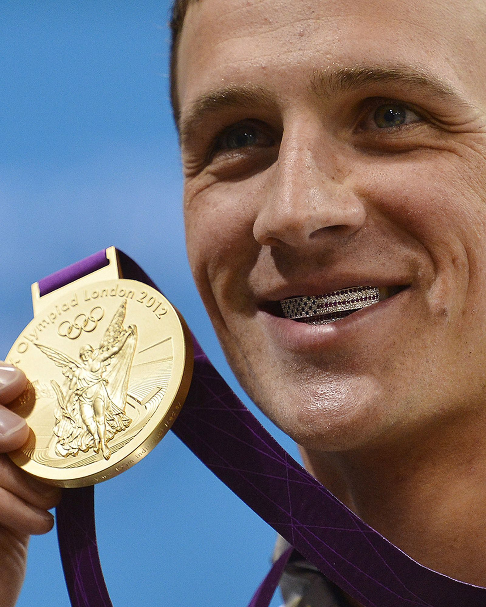 most-iconic-olympics-fashion-moments-07