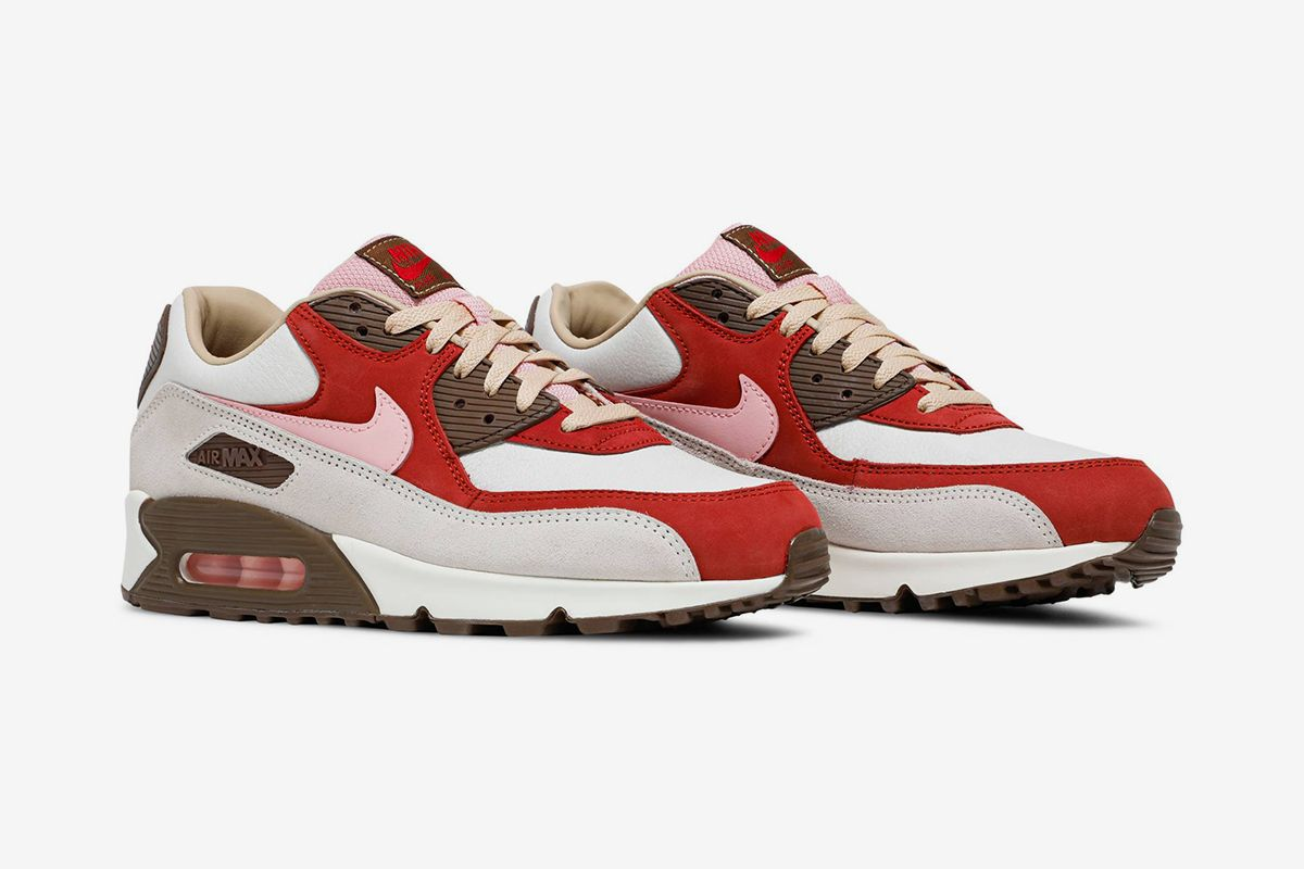 """Nike Air Max 90 """"Bacon"""" Is Finally Returning & Other Sneaker News Worth a Read 56"""