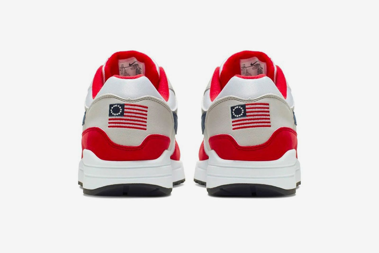 A bordo matrimonio limpiar  Independence Day Air Max 1 Resold for $2,000 Before Being Pulled