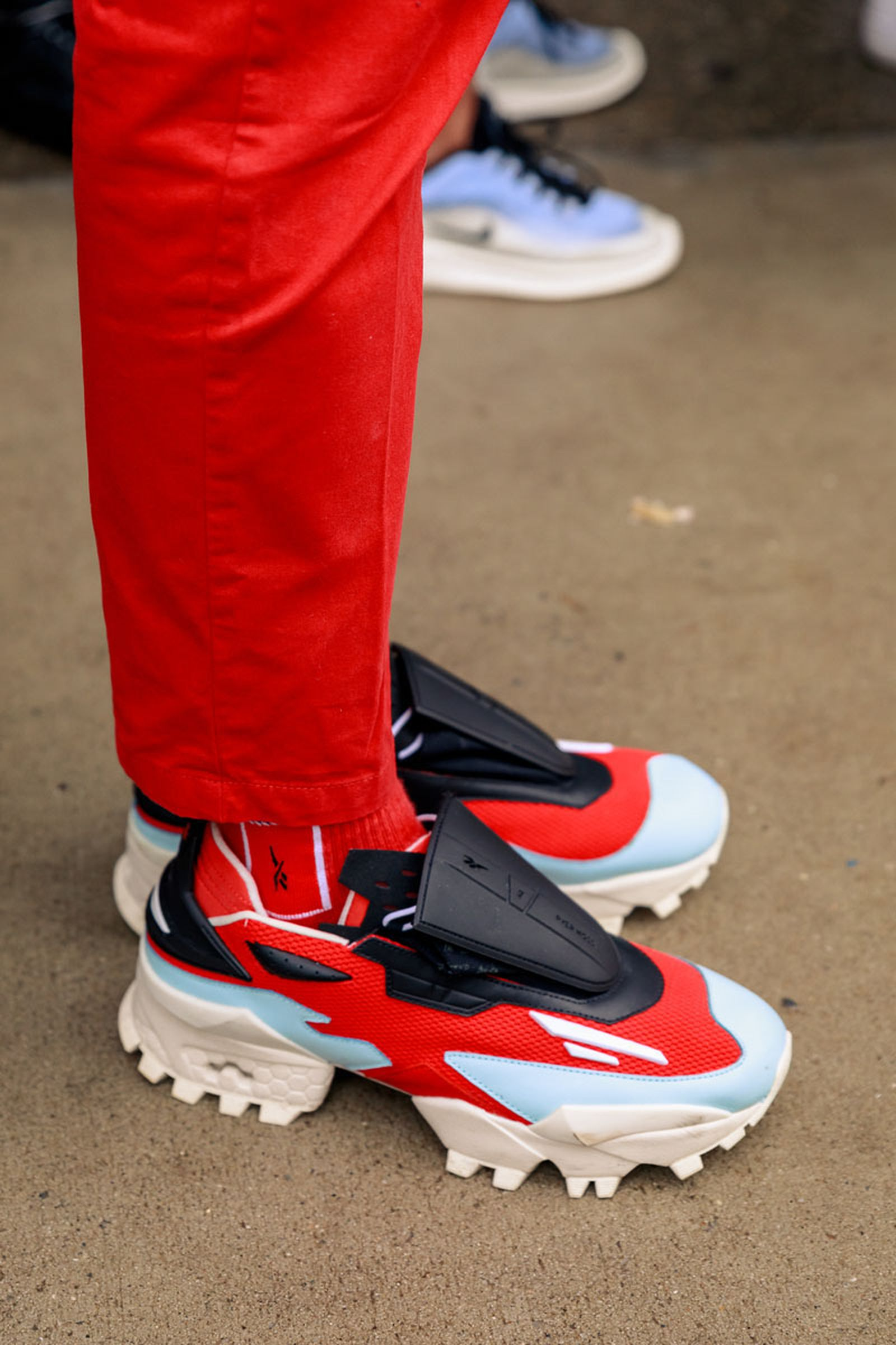 new-york-fashion-week-mens-fw20-sneaker-street-style-05