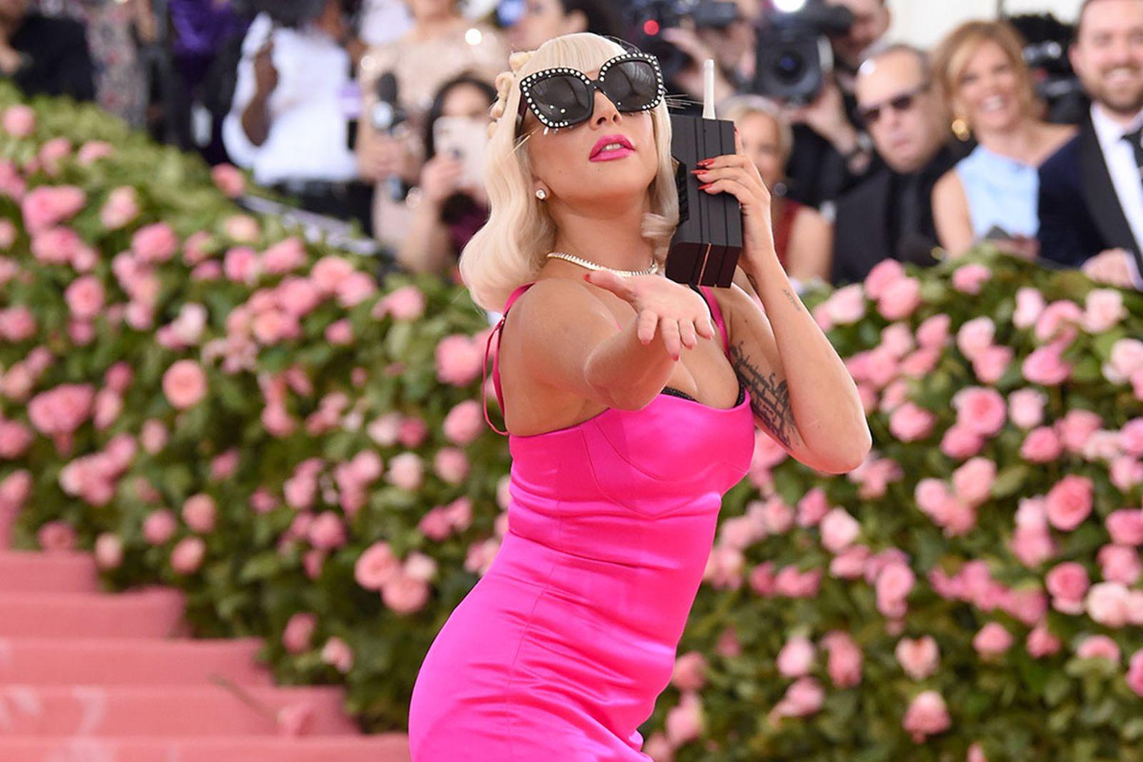 lady gaga pink dress met gala