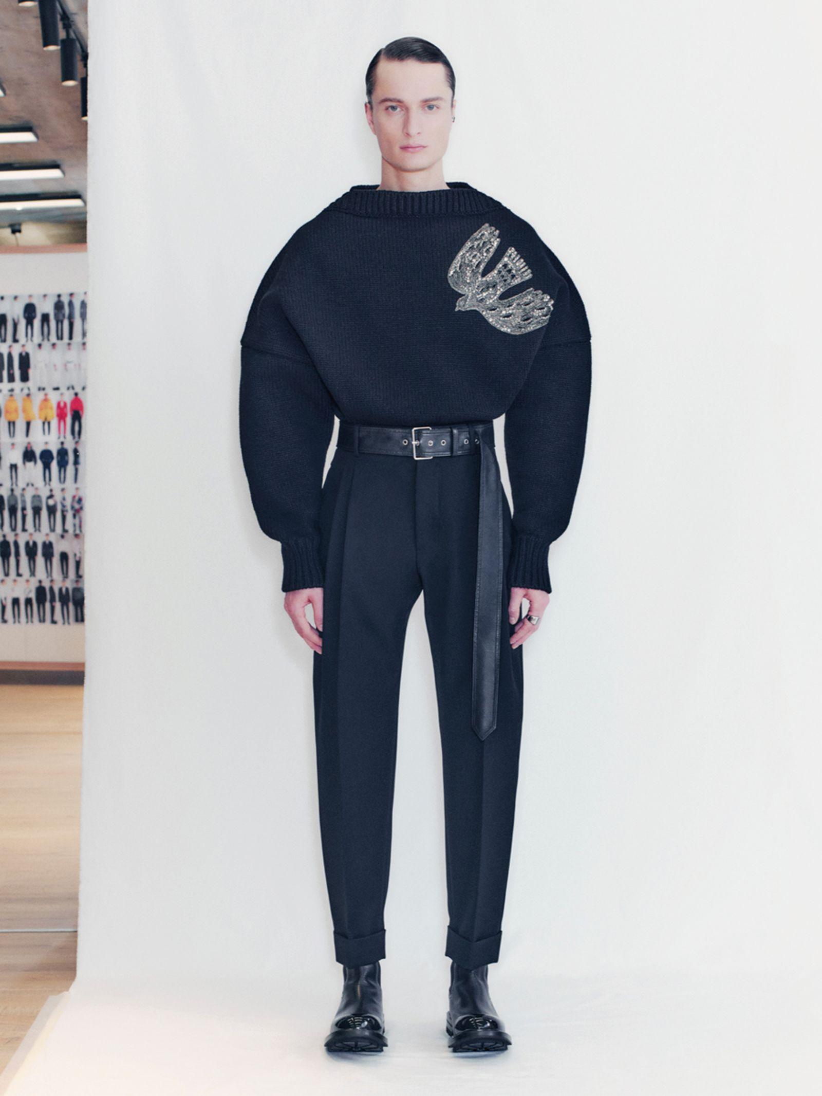 alexander-mcqueen-fall-winter-2021-collection- (24)