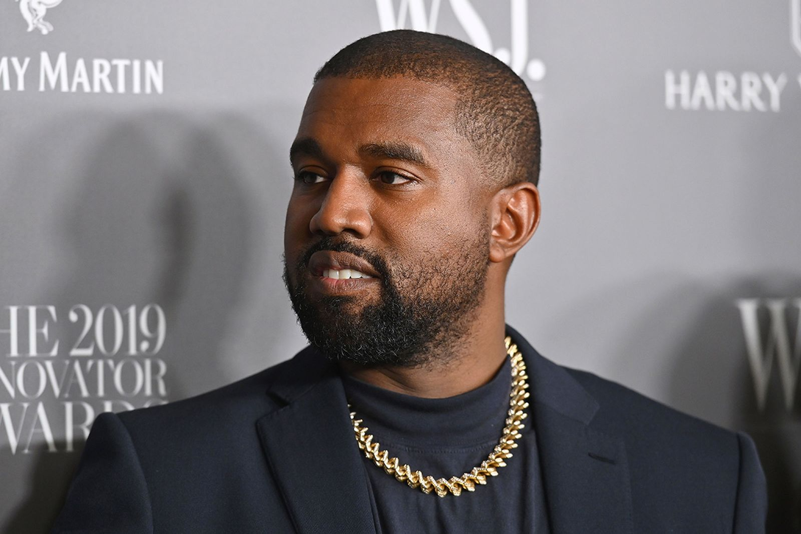 Kanye West gold chain