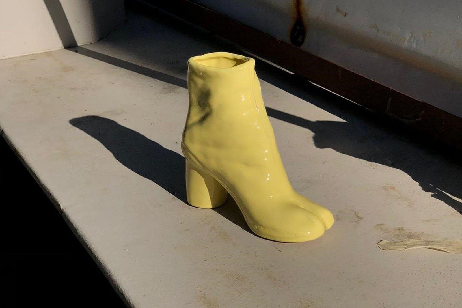 idea-generale-tabi-boot-vase-01