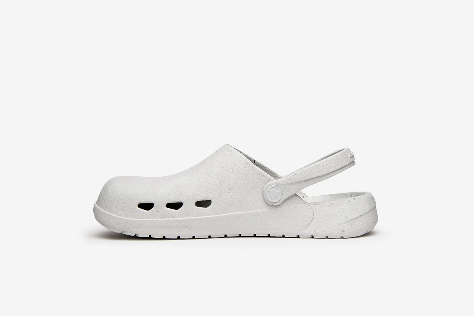 ales-grey-rodeo-drive-slip-on-1-02