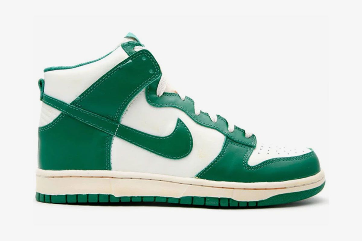 Nike Dunk High pro green product shot side view
