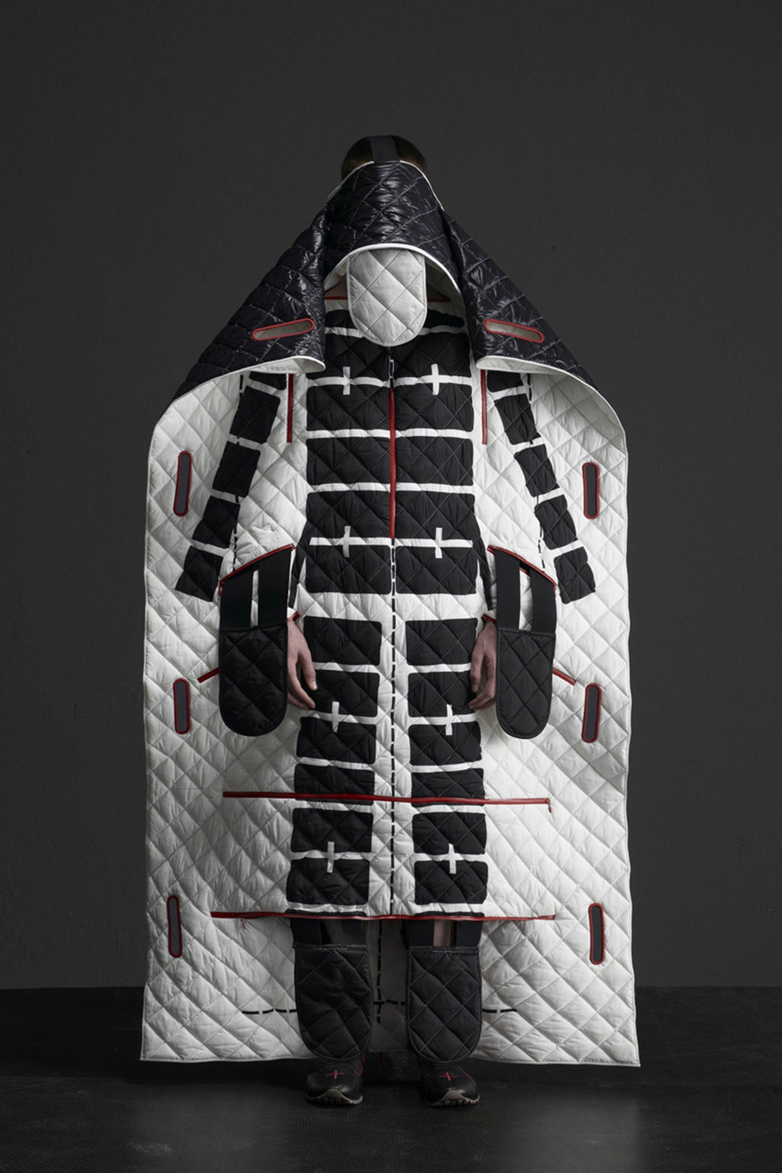 5 MONCLER CRAIG GREEN_COLLECTION IMAGES (6)