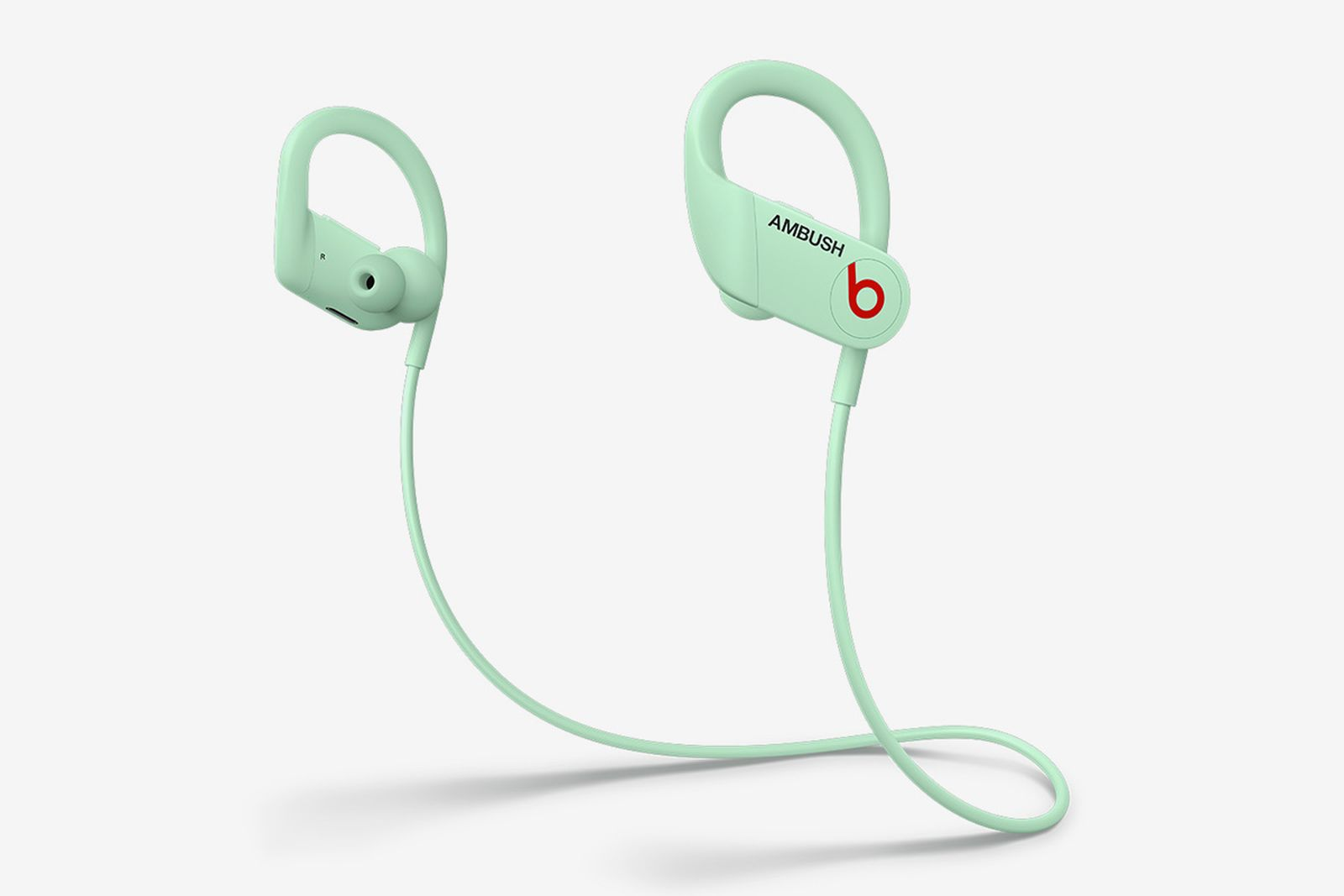 beats-ambush-glow-in-the-dark-powerbeats-06