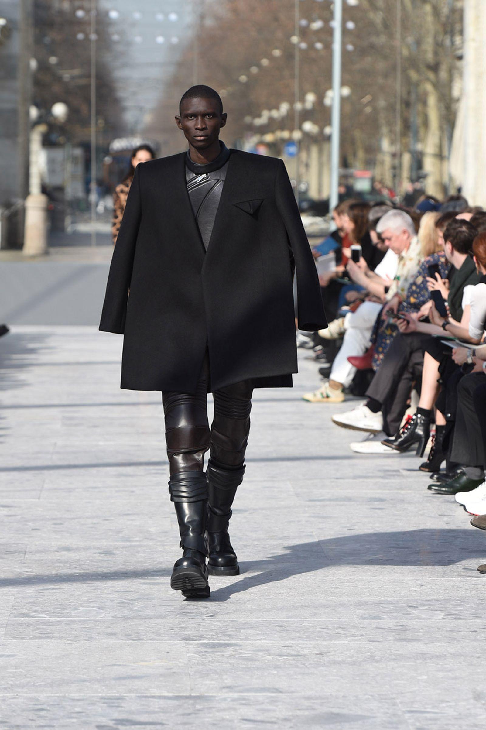 bottega-veneta-is-bringing-timeless-luxury-back-to-fashion-05