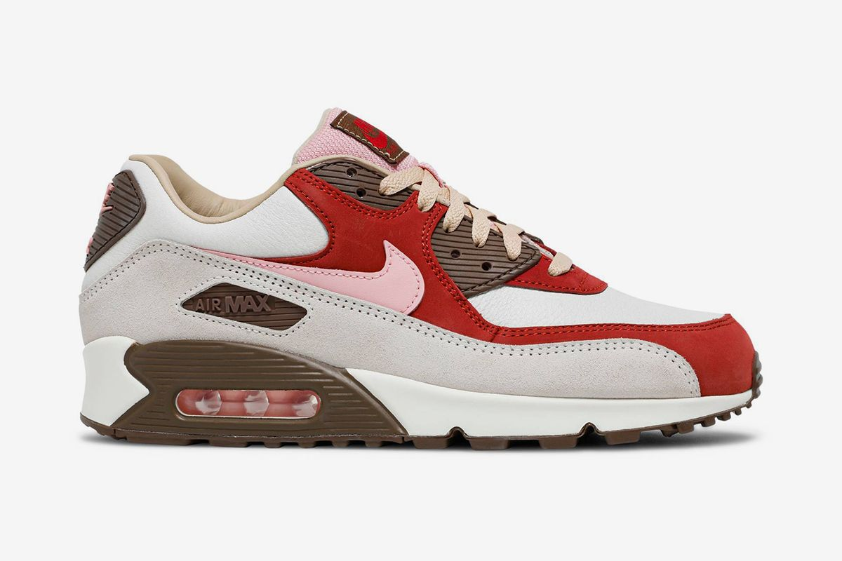 """Nike Air Max 90 """"Bacon"""" Is Finally Returning & Other Sneaker News Worth a Read 54"""