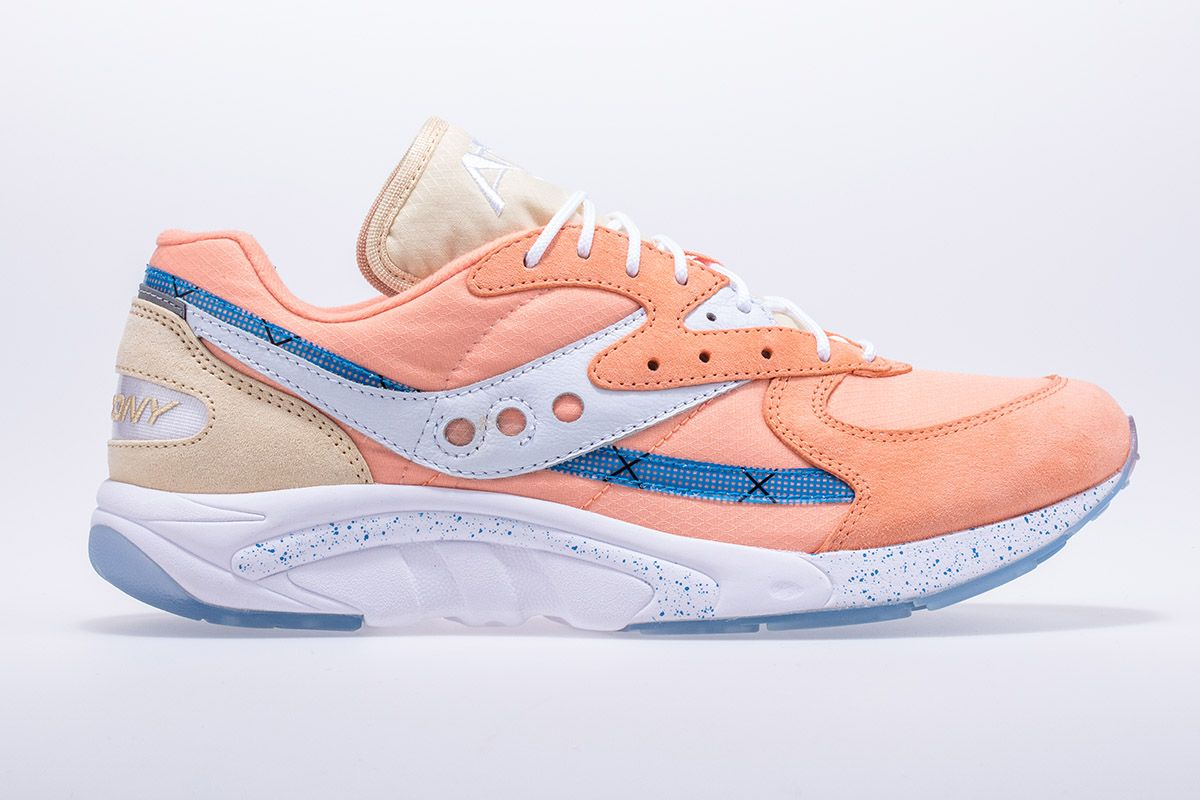 """Saucony's Aya """"Peaches & Cream"""" Pack is An Ode to Summer 3"""