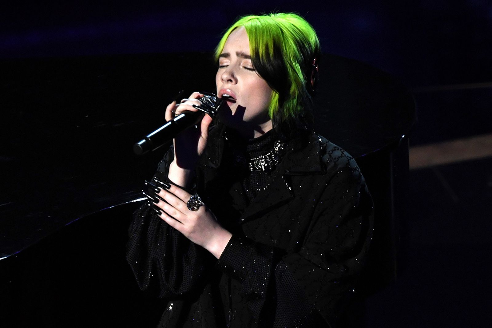 Billie Eilish performing Oscars