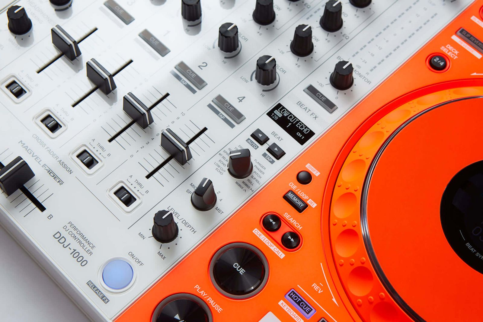 off-white-pioneer-dj-controller-apparel-collab- (4)