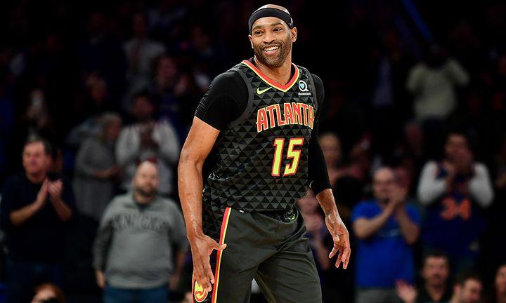 Vince Carter smiling headband Atlanta Hawks