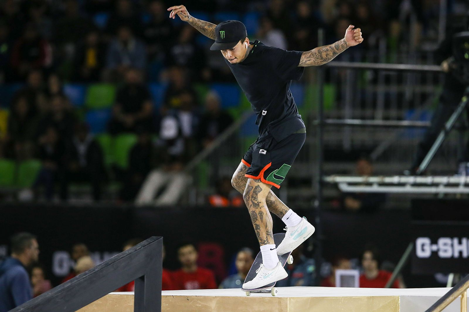 Nyjah Huston skateboarding