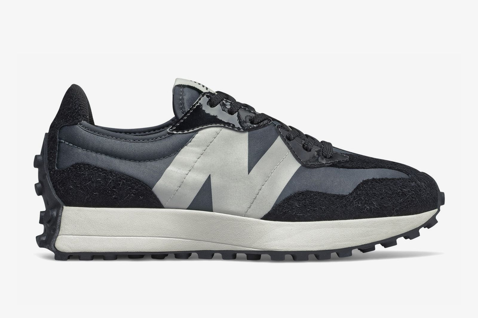 New Balance 327 satin black product shot