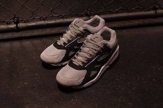 4227421f9894 mita sneakers & WHIZ LIMITED Give Mizuno's Uber-Dad Sky Medal a Grayscale  Makeover
