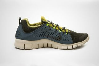 93d3795318b12 Nike Free Powerlines+ II LTR Moss Green Avion • Highsnobiety