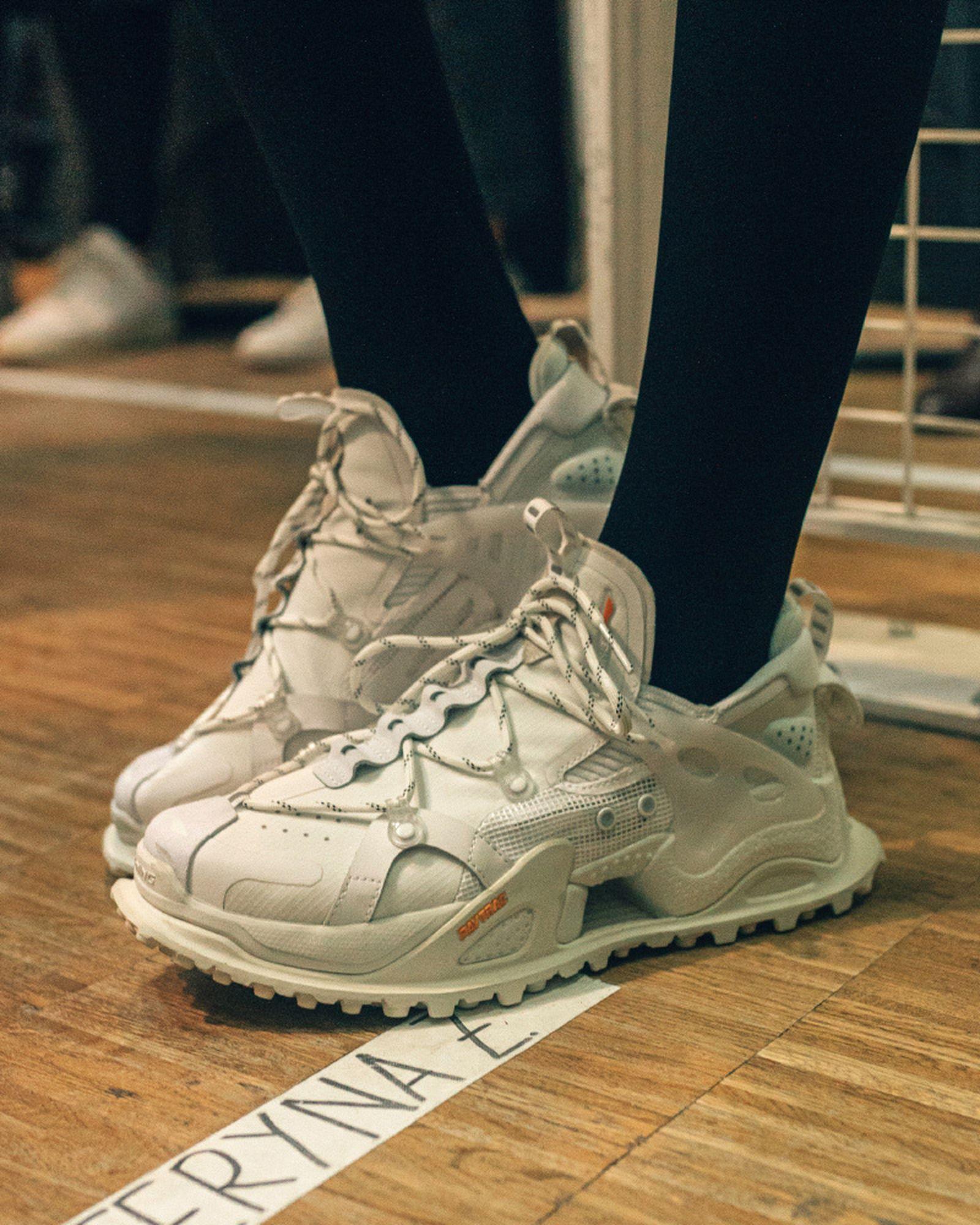 best-sneakers-fashion-week-fw20-li-ning-04