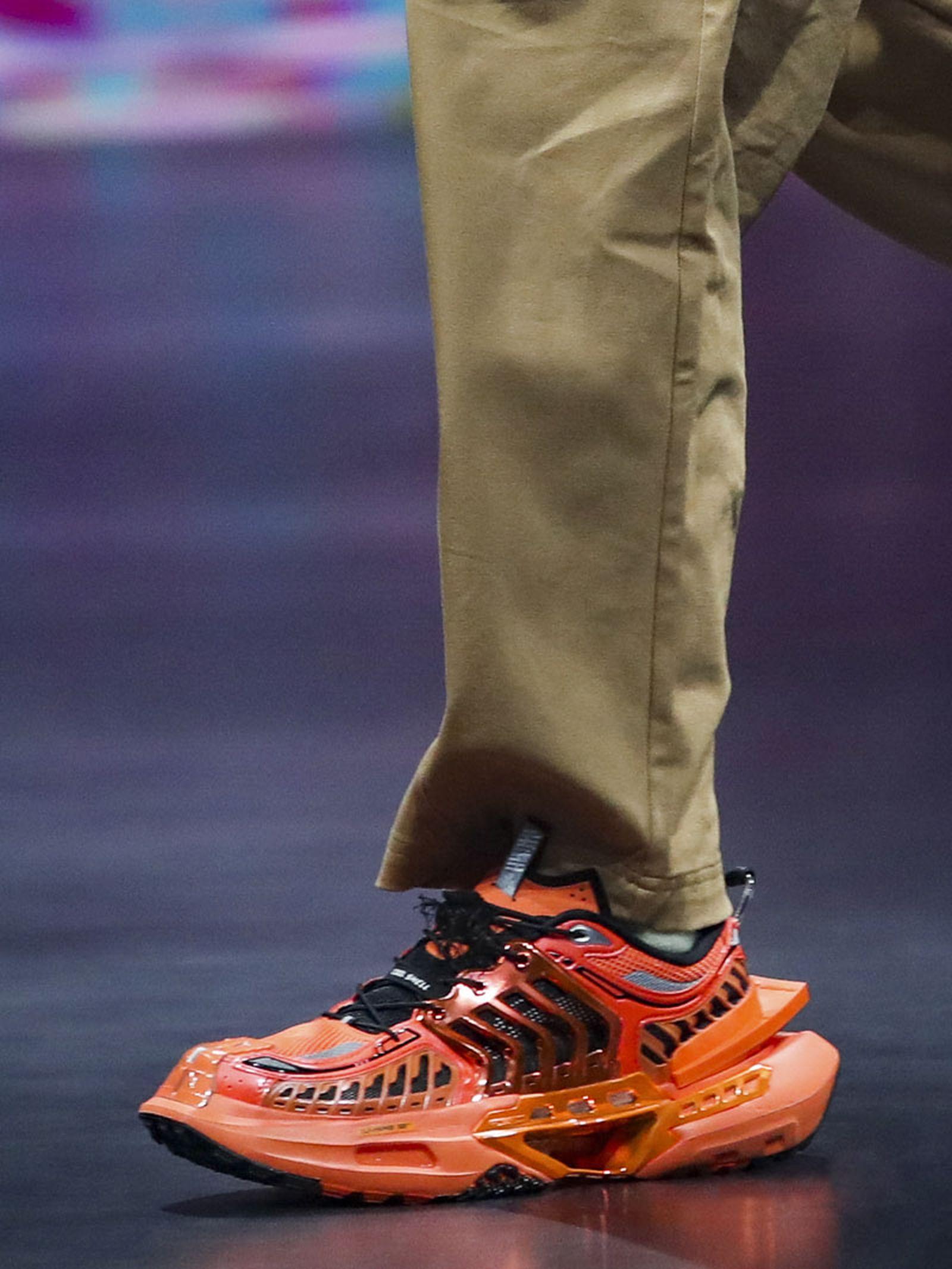 li-ning-ss21-footwear-collection-paris-fashion-week-07