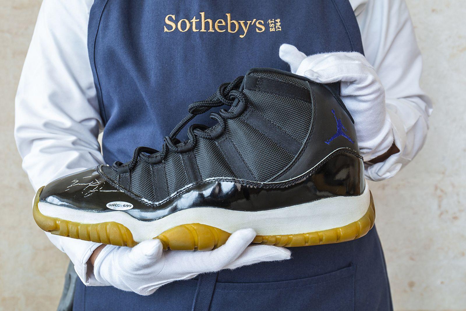 michael-jordan-air-jordan-11-space-jam-auction-sothebys-03