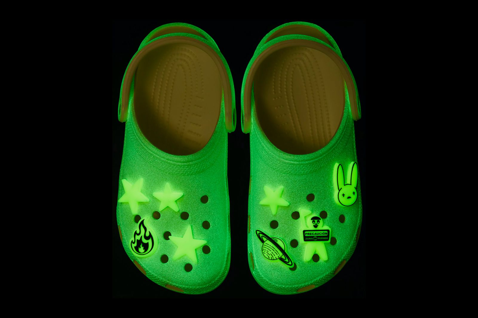 bad-bunny-crocs-glow-in-the-dark-clog-info-04