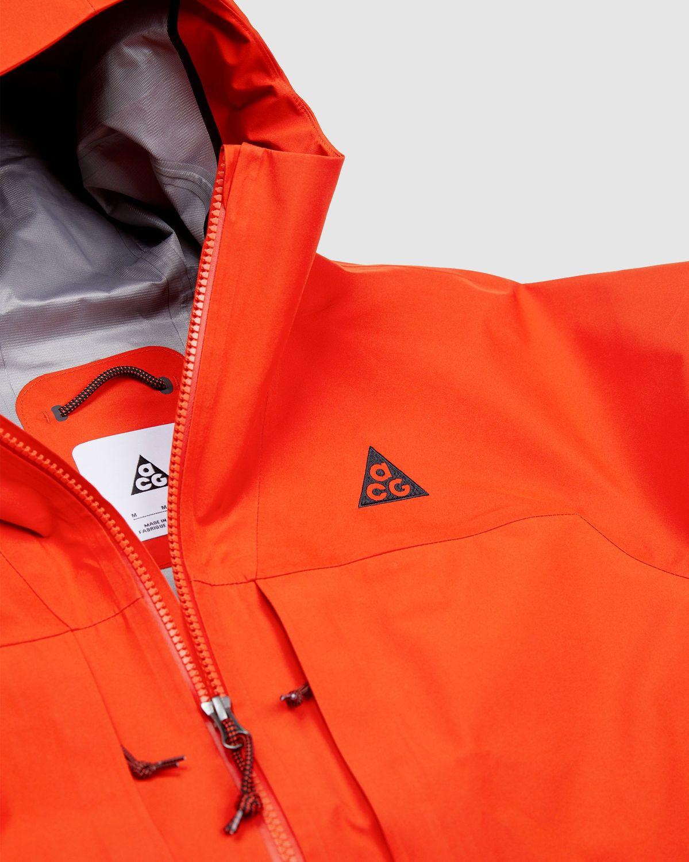 "Nike ACG Gore-Tex ""Misery Ridge"" - Orange - Women's Jacket - Image 4"