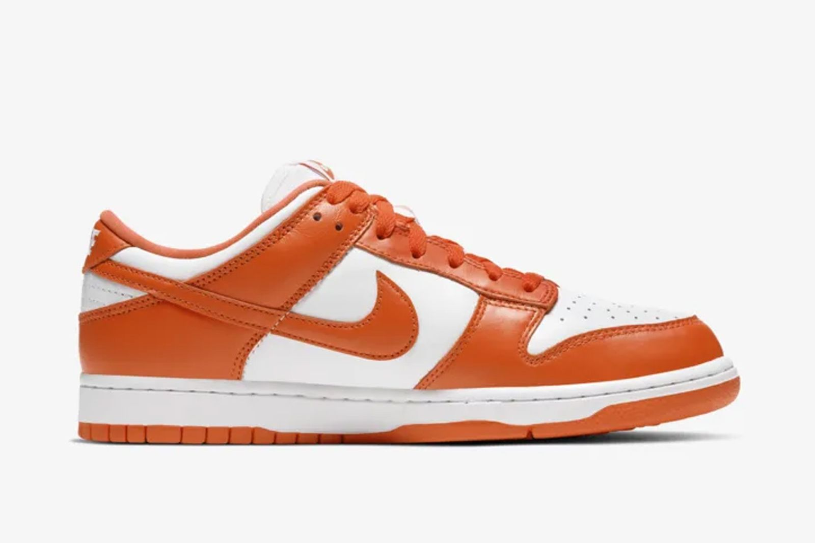 """Nike Dunk Low """"Syracuse"""" & """"Kentucky"""" Drop Today: Where to Buy"""