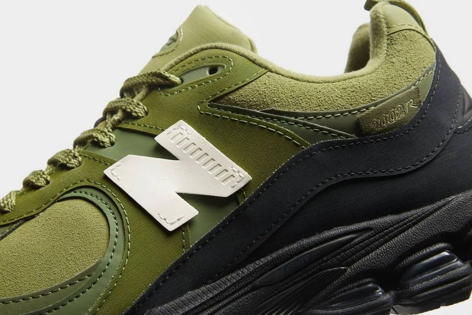 the-basement-new-balance-2002r-release-date-info-price-01