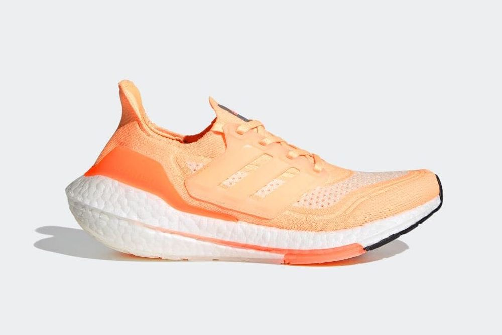 New Balance Turns the 574 Into a Dress Shoe & Other Sneaker News Worth a Read 70