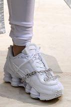 vente chaude en ligne 3aa69 dc7e1 COMME des GARÇONS x Nike Shox: Where to Buy in North America