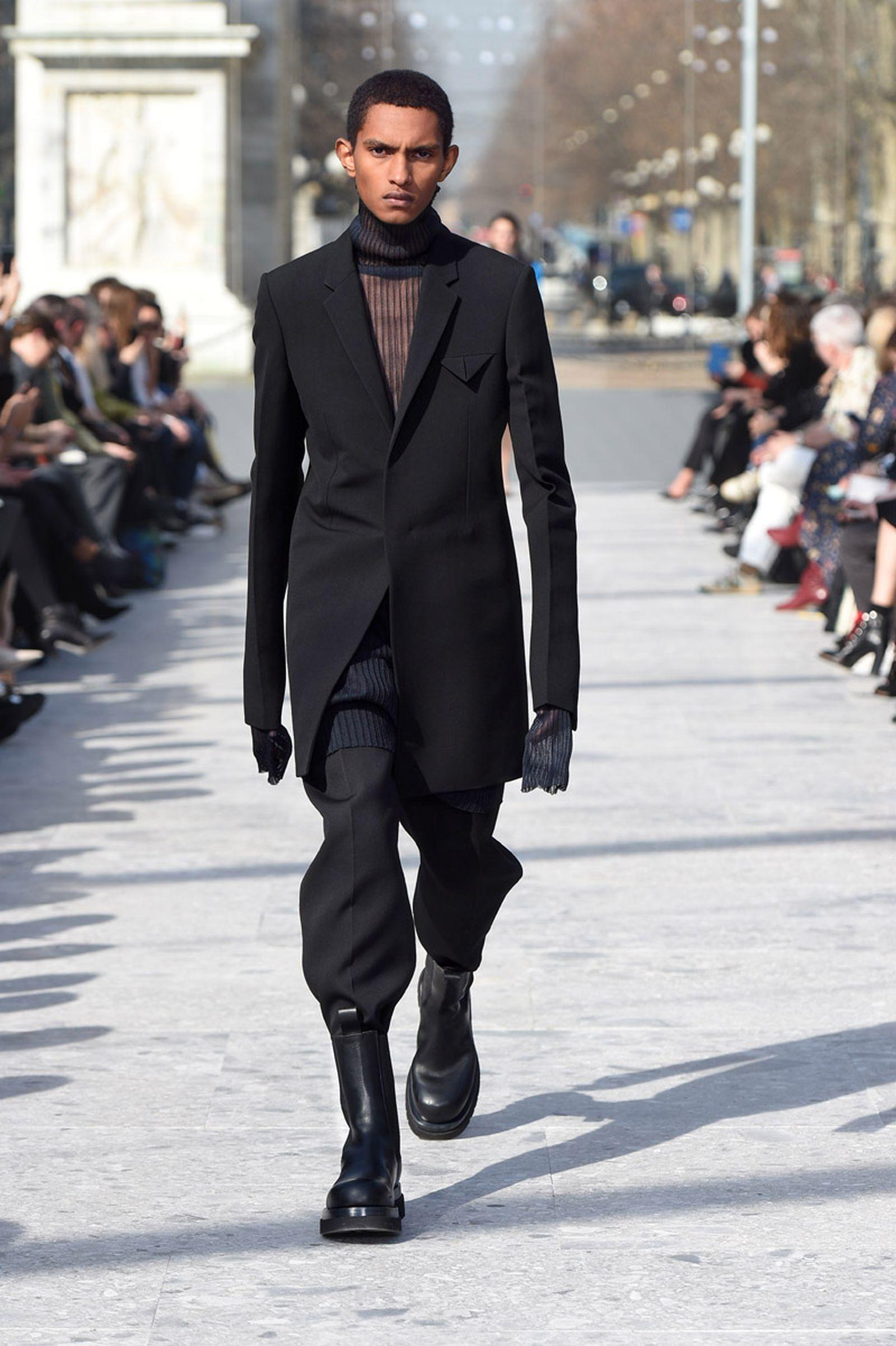 bottega-veneta-is-bringing-timeless-luxury-back-to-fashion-30