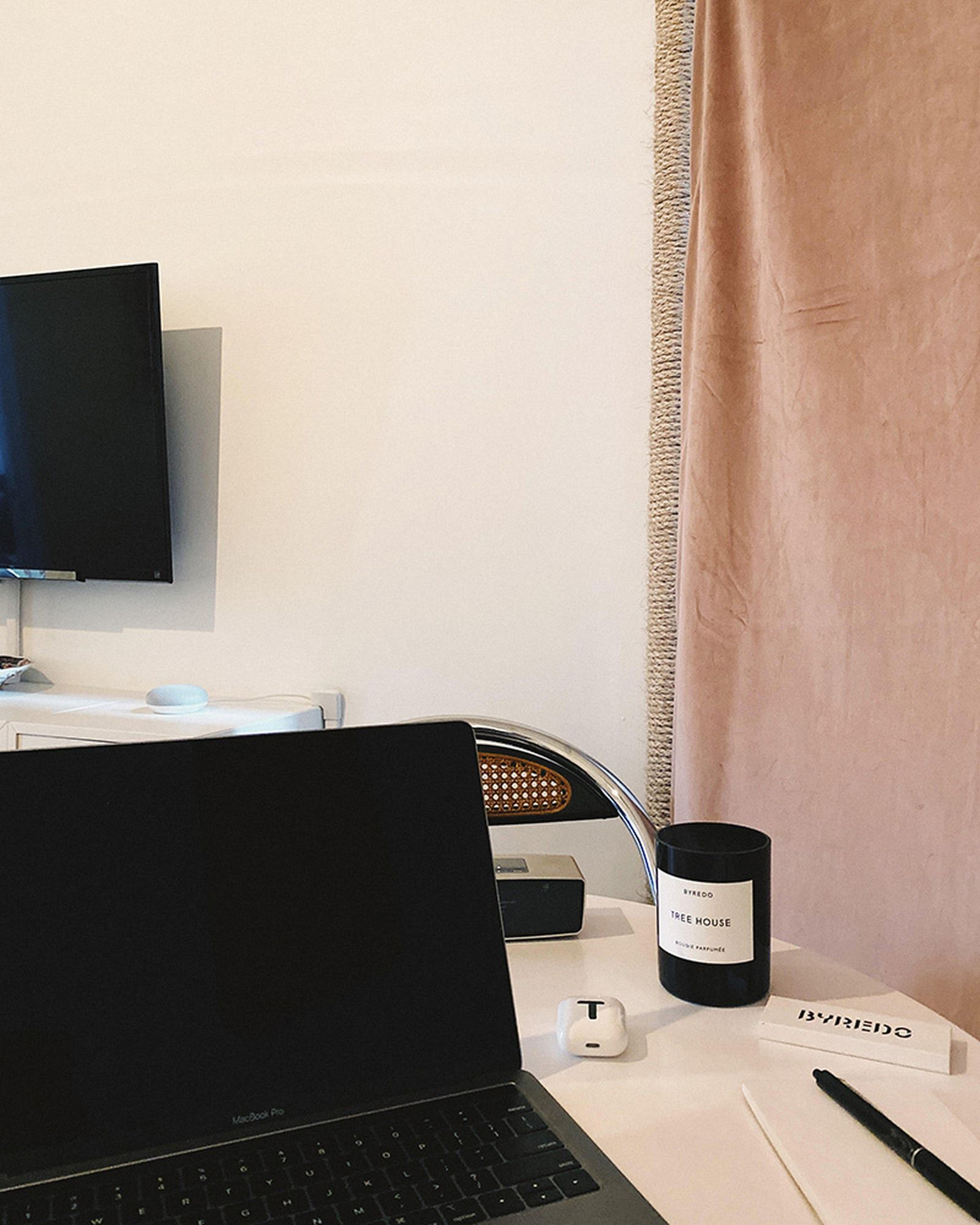 wfh-office-tour-look-inside-home-offices-01