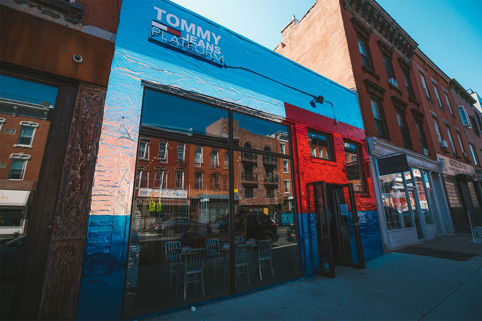 tommy jeans platform pop up shop tommy hilfiger